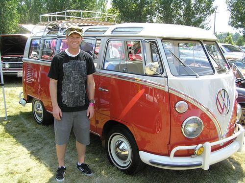1964 Volkswagon Bus at Cruise-in 7_7_06 002